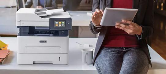 Stampante Xerox® B215 in offerta per i clienti in assistenza